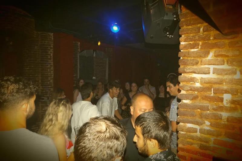 https://salonparafiesta.com/local-para-fiestas-madrid-centro/